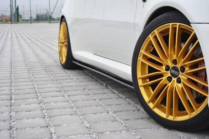 Dokładki progów Maxton Alfa Romeo GT (carbon look)